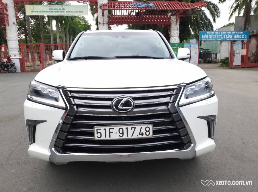 Lexus LX 570 2016 AT